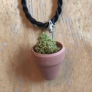 Potted Plant Necklace Dried Moss Terra-cotta
